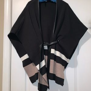NY&CO black open belted poncho